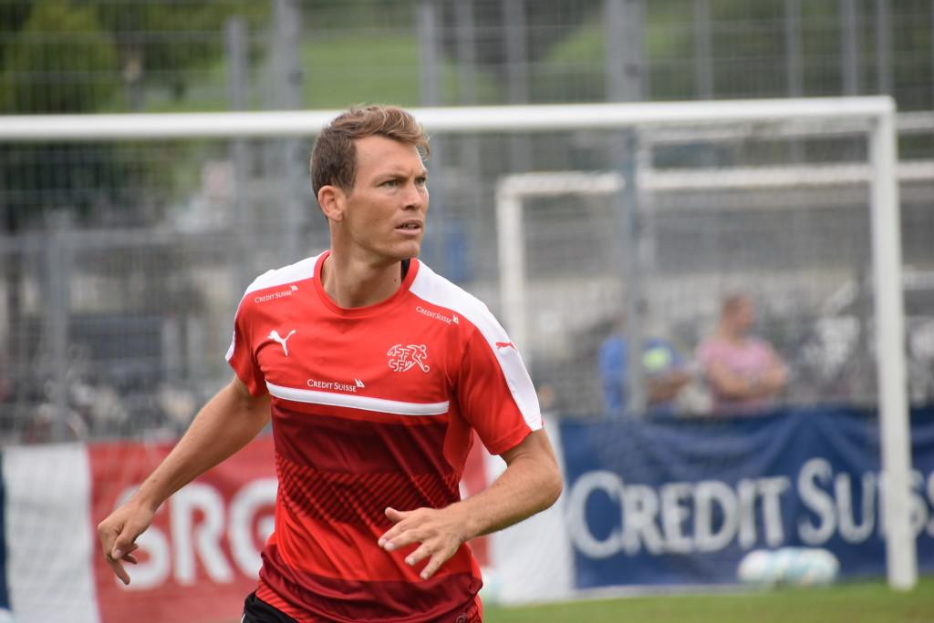 Totaler Fokus auf das Spiel: Stephan Lichtsteiner. (Archivbild: Raphael Gutzwiller)