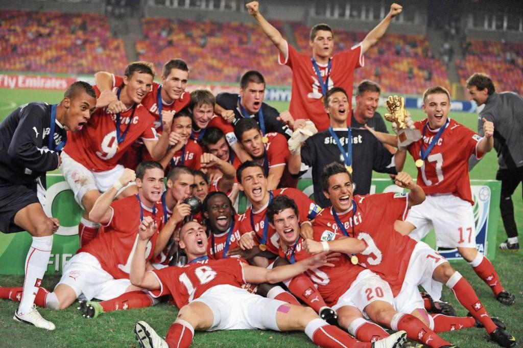 Die U17-Weltmeister 2009 feiern nach ihrem Triumph in Nigeria. (Bild: Pius Utomi Ekpei/AFP)